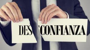 confianza y desconfianza en el actual administrador